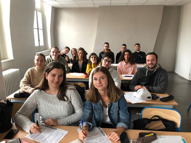 Les étudiants en Bachelor Design 2e année