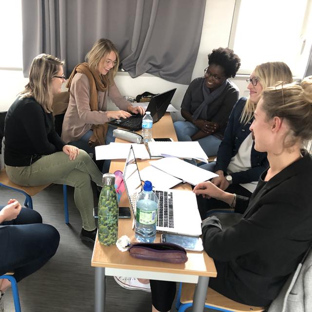 Etudiantes Efficom Lille